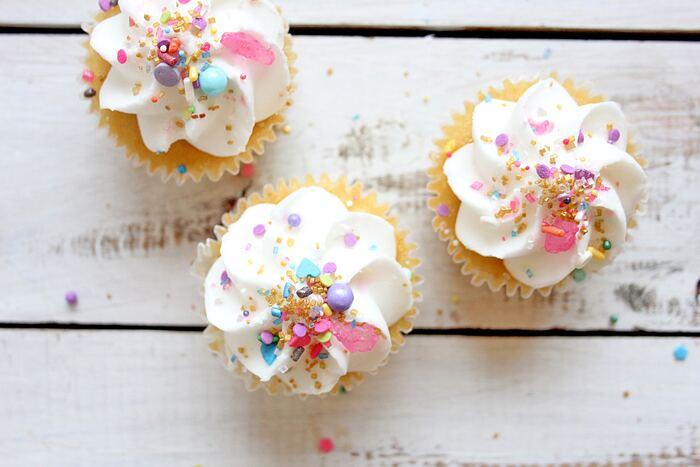 1歳の赤ちゃんケーキ30選。専門店リストや手作り派に役立つレシピも♪