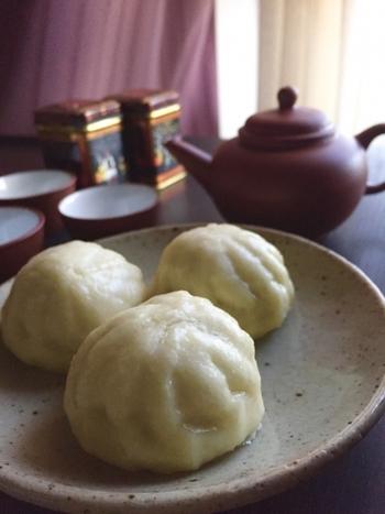 香港を代表するグルメ、飲茶。お茶を飲みながら点心を楽しむ香港の定番スタイルです。絶品の飲茶を格安で食べられるお店が数多く存在します。