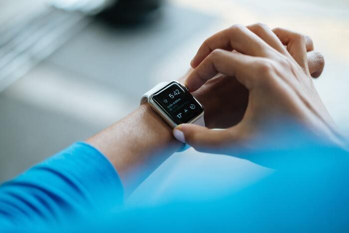 「家電」で毎日の健康管理にチャレンジしてみませんか?身につけるだけで自動で数値を管理してくれたり、毎日のケアが簡単になるんです。最新のデジタル家電なら、運動も食事も睡眠も全て管理できるので、健康のための行動が楽しくなること間違いなしです。