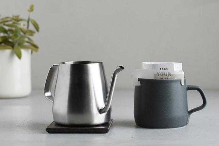 1~2杯分をドリップできる、コンパクトなサイズもご用意しています。 美味しいハンドドリップコーヒーを、美しく淹れる。毎日のコーヒータイムがより楽しく上質なものになりそうです。