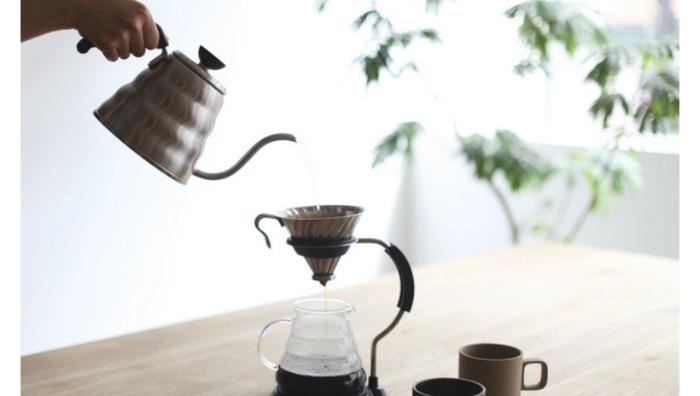 ハリオがドリップコーヒーの為にだけに作ったというこだわりのケトル。その使いやすさは世界中で認められ、プロのバリスタにも愛用されています。