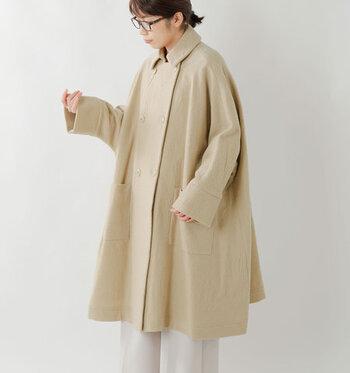 ロング丈のコートはボリューム感があるため、タイトなボトムスを合わせていたという方も多いはず。今年の冬はロングコート×ワイドパンツの組み合わせで、トレンド感たっぷりなコーディネートを楽しんでみてくださいね♪