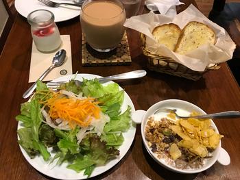 ボリュームもたっぷりのヘルシーな朝ごはんを食べられるのも魅力です。吉祥寺モーニングやブランチにはもちろん、ランチタイムにもナチュラルメニューがたくさんあるので、お腹を空かせて訪れてみてくださいね。