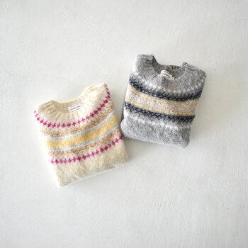 ほっこりと暖かみのあるノルディック柄のニットは、着るだけで冬らしい雰囲気をまとえるアイテムです。  そこで、今回は大人女子の冬コーデに取り入れやすいノルディックニットを、おすすめのカラー別にご紹介します。ぜひ、お気に入りをさがしてみてくださいね。
