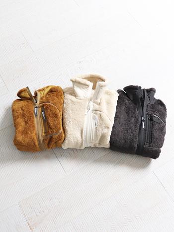 こちらは、軽くて保温性と通気性に優れたアメリカのpolartec社のハイロフトフリースを使用したジャケット。