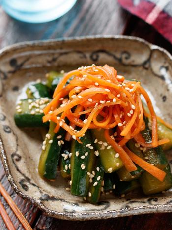 さっぱりヘルシーな「ポリポリきゅうりの中華漬け」。ポリ袋でできる簡単な漬物です。やみつきになってしまう中華風の味付けが、食欲を増進させてくれますよ。