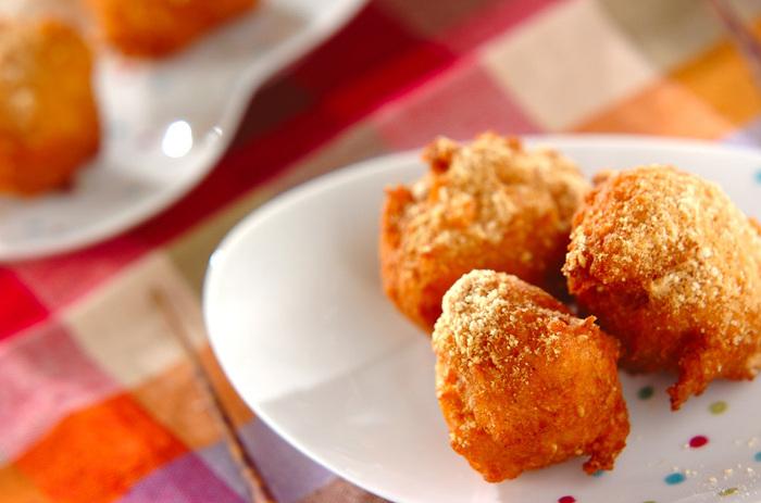 水分は豆腐とニンジンの水分だけ。白ごま入りでとってもヘルシーで食べやすいコロコロドーナツです。