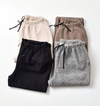 古典的な要素をしっかりと理解しつつ、新しい物作りを提案する「kelen(ケレン)」。使いやすさと楽なはき心地で人気のT/Rストレッチリブニットアンダーパンツ「Alto Knit」のご紹介です。起毛のリブニット素材で寒い日もポカポカ。