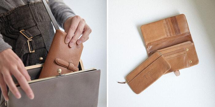 お財布がパンパンでスナップボタンが止まらない!なんてこともなく使える、ベルト付き長財布。大容量なのに、シックなデザインとカラーリングがありそうでなかったアイテムです。 ベルトを外したらフルオープンに開くので、収納したものが一目で見渡せるのも嬉しいポイント。《WALLET M》と同じく、コインケースは取り外し可能です。