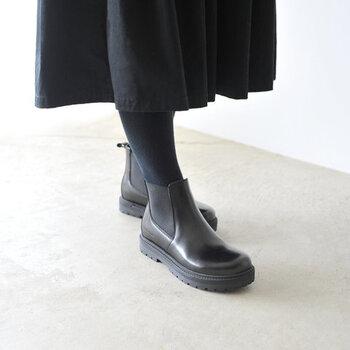 240年以上の歴史を誇るドイツ生まれの「BIRKENSTOCK(ビルケンシュトック)」は、サンダルで有名ですが、実はブーツもおすすめ。上質なレザーを使用し、作りと履き心地の良さを兼ね備えています。