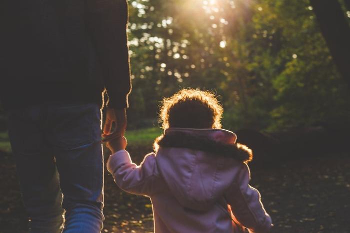 「パパが遺した物語」は、父と娘の愛情と絆を描いた感動作。「幸せのちから」のガブリエレ・ムッチーノが監督を務め、ラッセル・クロウ、アマンダ・セイフライドが父娘を演じています。現在と過去を行き来するヒューマンストーリーです。