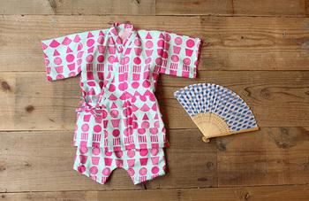 夏にぴったりな甚平も、なんと手ぬぐい3枚で作ることができます!お祭りなどに着て行くのはもちろん、普段着にもオススメです。