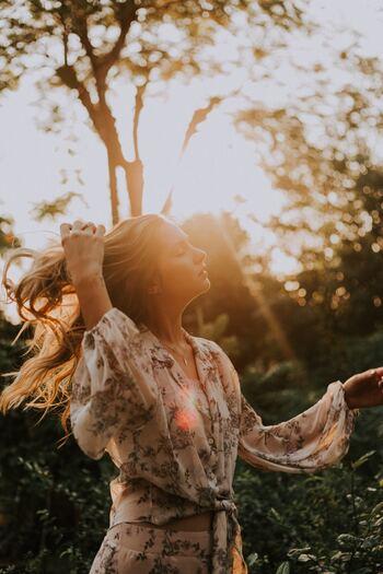 人生100年時代といわれる昨今ですが、少し先の未来、何年後かの自分をイメージできますか。近い将来、どうなっていたいか、何をしていたいかをある程度イメージしておくと、そこまでの道のりもおのずと見えてきます。途中、迷うようなこと、くじけそうなことがあったとしても、立ち直り、また歩みだせるようになるでしょう。
