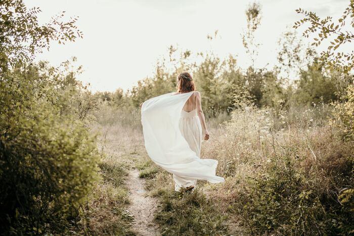 自分の価値を認められず、心が不自由になっていませんか。「どうせ」と諦めたり、「だって」と言い訳したり。それは、自分で自分の道を狭めてしまっているのと同じです。あなたはご自身で思っているほど、価値がない人間でもありませんし、欠点ばかりの人間でもありません。《自尊心アップノート術》で、あなたは代わりのいない尊い存在であることに気付いてくださいね。