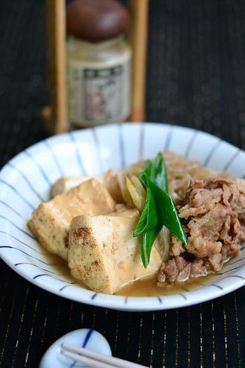 今の時季におすすめなのが、ほっこり安心する味の肉豆腐。ご飯に合う甘辛の優しい味で、美味しいお肉を楽しめます。3日ほど日持ちするので、味を染み込ませても美味しいですよ。
