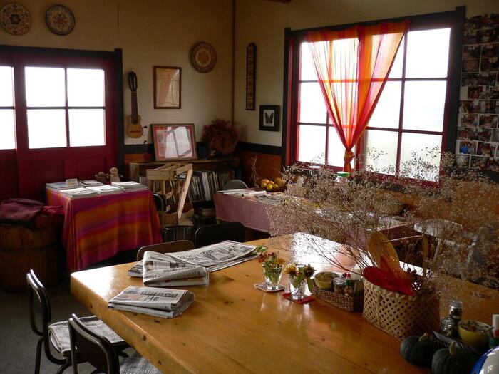 丘の上のまるで物語の世界のような一軒家で、地元の食材をふんだんに使って作られる地産地消のお料理を。「ハートン・ツリー」は、釧路市から道道53号線を北上した鶴居村にあるファームレストランです。