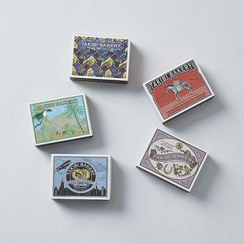 世界の色々な地域や国をイメージしたイラストが描かれたマッチ箱に、その地域や国をイメージした紅茶が入っているTAKIBI BAKERY(タキビベーカリー)」の『旅する紅茶』シリーズ。