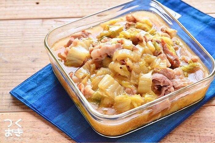 とろみのついた、身体が温まる煮物のレシピ。豚バラ肉の旨味が白菜においしくからんでいます。ごはんにのせて丼っぽく食べてもいいですね。