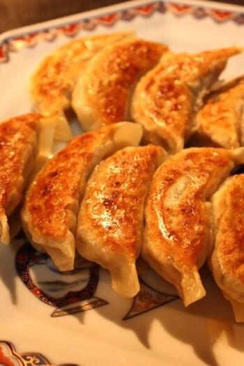 こちらはなんと、お肉の代わりにマグロを使った餃子です。マグロのすき身を使うことでひき肉のような食感で普段よりヘルシーに餃子を楽しめます♪