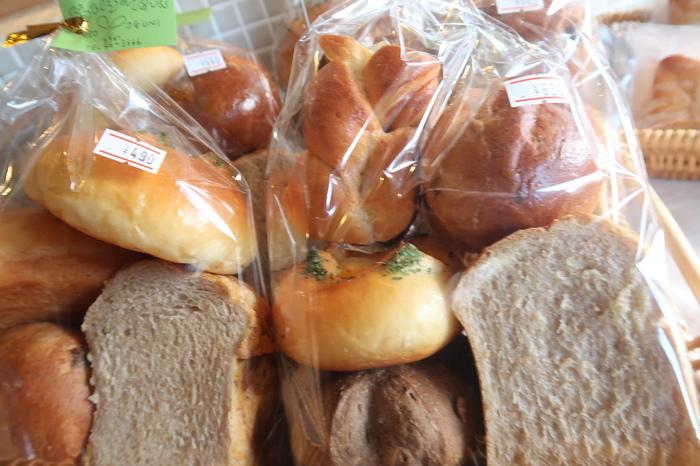 いろいろなパンが食べたいときは、詰め合わせがおすすめです。お土産にしてもよさそうですね。