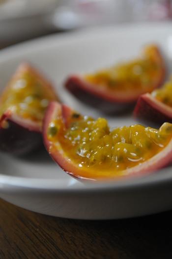 チーズケーキやヴァニラアイスなどのデザートにプラスすると、独特の酸味が芳醇な味わいを付け加えてくれます♪
