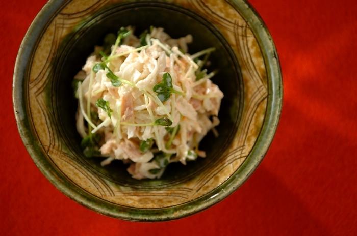 切り干し大根とツナをマヨネーズであえたサラダは食べ応えがあり、おつまみでも、いつものおかずにしても喜ばれる一品。あると便利な乾物×缶詰との素敵な組み合わせです。