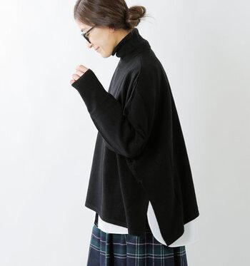ゆるっと着られるタートルネックは、体型カバーとおしゃれの両立を叶える優秀アイテム。ぜひ冬コーデに取り入れて、今季らしい着こなしを楽しんでみてくださいね♪
