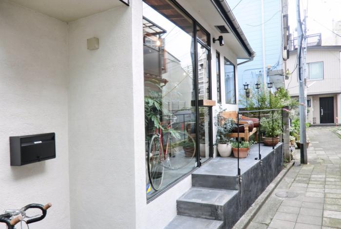 最後にご紹介する東京でチャイが楽しめるスポットはこちらの「Nem Coffee&Espresso」です。こちらのカフェは、広尾駅から徒歩約3分のところにあり、ナチュラルな雰囲気が特徴のおしゃれスポットです。