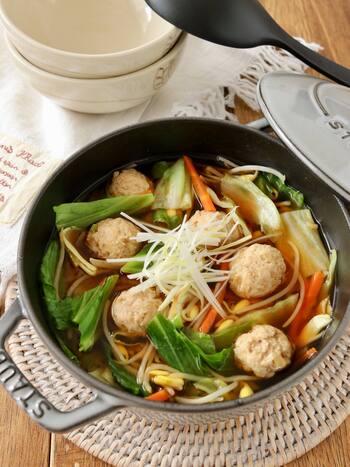 野菜たっぷりのヘルシースープ。すりおろしショウガが入っているから体を内側から温めてくれます。
