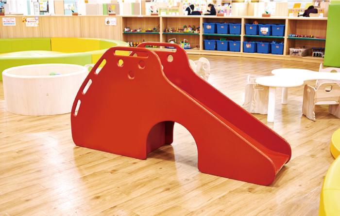 店舗什器や特注家具製造の技術を活かし、子供向けの大型の遊具や空間も手掛ける(写真:木村木品製作所)