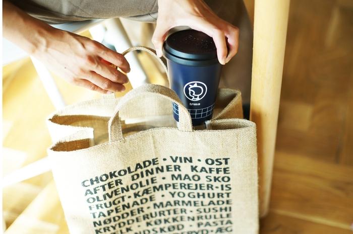 ペットボトルや容器の使い捨てを減らせるように、マイボトルを利用しましょう。自分で飲み物を準備すれば、素材に気を配ることができて健康にもいいですね。