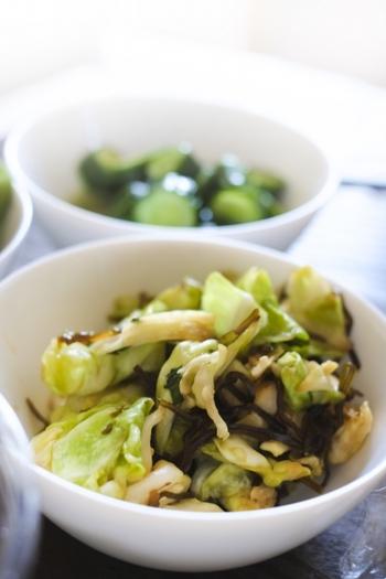 いかがでしたか?主食、主菜、副菜、汁物など色々な料理に使えて便利な塩昆布。単品野菜とも相性が良く、冷蔵庫に余っている野菜で美味しく簡単な副菜を手早く作れるので、お家に常備しておくと色々と助けてもらえそう♪