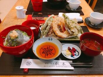 【鎌倉づくし】 お店のイチオシメニューは、しらす丼と鎌倉野菜の天ぷらを両方味わえる「鎌倉づくし」。先付・デザートなどもセットになっています。
