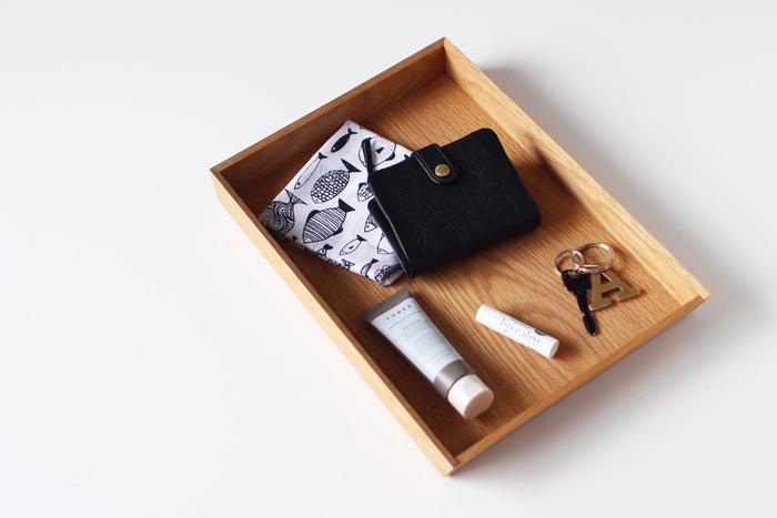 今日は小さなバッグでお出かけしたい、あるいは旅先で身軽に動き回りたい・・・・そんな時に邪魔にならないのがコンパクトなお財布。小さなお財布で心も身軽になって、軽やかにお出かけを楽しみたい。