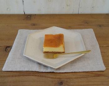 『チーズケーキ』。※ベイクド。ハーフサイズもあり。