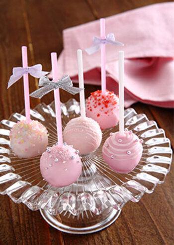 見た目もかわいく食べやすい、ロリポップ型のチョコはパーティーやちょっとしたプレゼントにもぴったりですね。