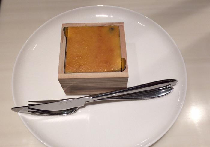 チーズの甘い香りと、口の中に広がる日本酒の香りの相性が抜群!滑らかな食感がクセになるおすすめのお土産です。