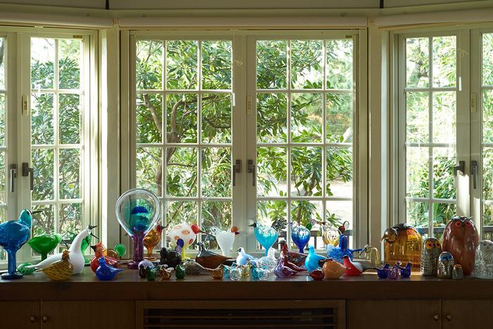 """フィンランド生まれの素敵なガラスのバードの数々。深みのあるガラスのデザインで、世界的に評価されているオイバ・トイッカと、イッタラが40年以上にわたり生み出して来た""""バード バイ トイッカ""""コレクションは、いまでも多くのコレクターに愛されています。"""