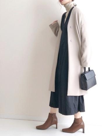 シンプルに一枚で着ても、さまざまなアイテムと合わせても様になるAラインワンピース。まずは一着、ワードローブに加えてみてください。
