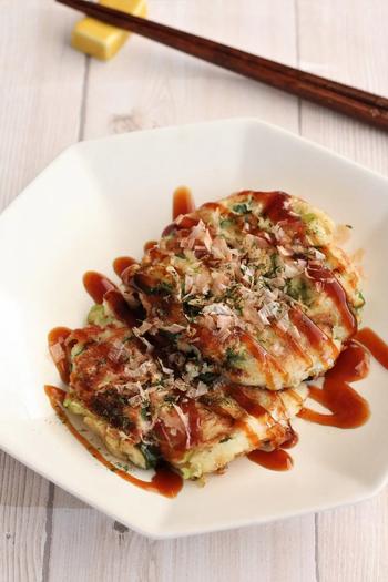 高野豆腐をすりおろすという、目から鱗のレシピ。粉は一切入っていないので、胃もたれせずさっぱり食べられます。長芋の効果でふわっと仕上がりますよ。