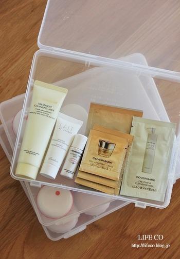サンプルの基礎化粧品類は種類ごとにケースにストックしておきましょう。お風呂だけでなく、旅行や出張のときにも役に立ちます。