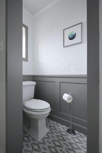 もともとトイレは「悪い気が溜まりやすい場所」とされています。悪い気をそのままにしておくと、だんだんとおうちの中に広がっていってしまいます。  トイレ掃除はできるだけ午前中のうちにすませ、運気を好転させておきましょう。