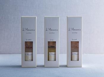 パフューム大国の人気ルームフレグランス「アルモニー」は、植物性の原料にこだわって作り上げる香りが癒しの時間を演出してくれるおすすめブランドです。太陽や風など自然の恵みをイメージさせる香りの数々はどれも上品な香り♪