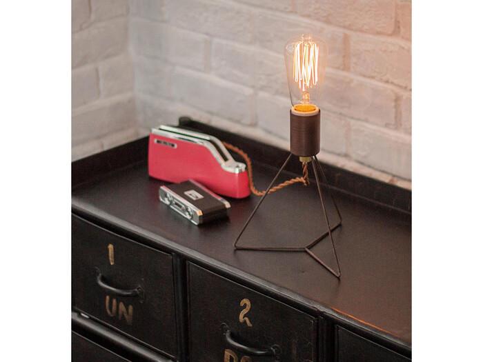 スケルトンの電球は、そのまま使えるおしゃれさがポイントで、強過ぎない柔らかな光が間接照明にぴったり♪また、電球の形やワット数を変えるだけで間接照明としてではなく、スタンドランプとしても使えちゃう万能なアイテムです◎
