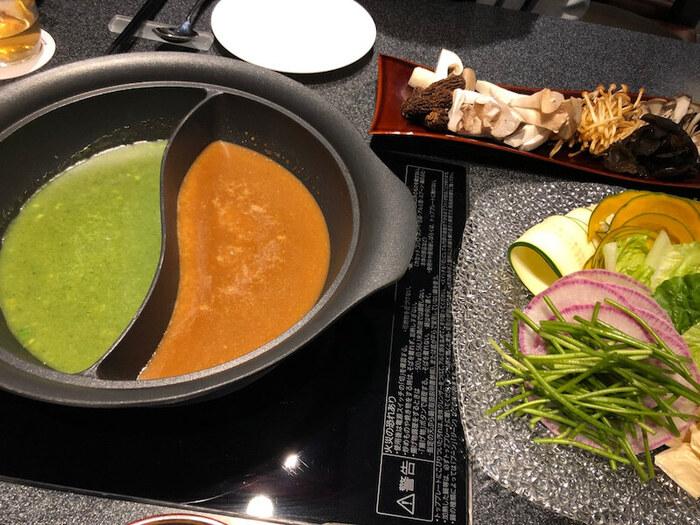 上記を含め、粥ベジは5種類の中から2種類をセレクト。お粥の自然なとろみと中華スープのコクが野菜ペーストとマッチしていて、具材のおいしさを引き立ててくれます。