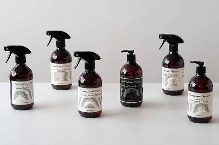 """""""環境や、身体・肌に優しいだけではなく、きれい好きで、おしゃれな人達の暮らしに寄り添うこと。そして大切なのは、世界で最も使い方がシンプルな洗剤であること""""をコンセプトに開発されたマーチソンヒュームのプロダクトは、界面活性剤に至るまで100%植物原料にこだわって作られています。"""