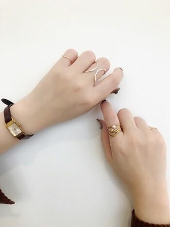 「ete(エテ)」のリングはシンプル&おしゃれで飽きのこない、憧れアイテム。華奢なデザインのリングは、女性らしさを演出してくれます。