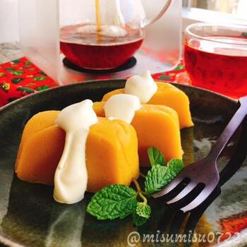 続いてもおひとりさま和菓子レシピ。安納芋と寒天があれば作れる、ごくシンプルな芋ようかんです。砂糖は加えず、お芋の自然な甘さを堪能しましょう。