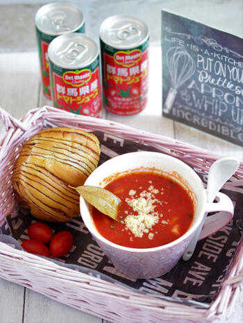 トマトジュース1本で、1人分の濃厚なミネストローネが作れます。野菜もたっぷり摂れますよ。おかずに合わせて、その日のマグカップスープをチョイスしましょう。