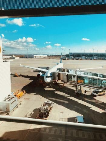ドイツのミュンヘン空港は、ユニークな建築とヨーロッパ各地への乗り継ぎ便の良さから、ドイツ第2のハブ空港として大活躍しています。